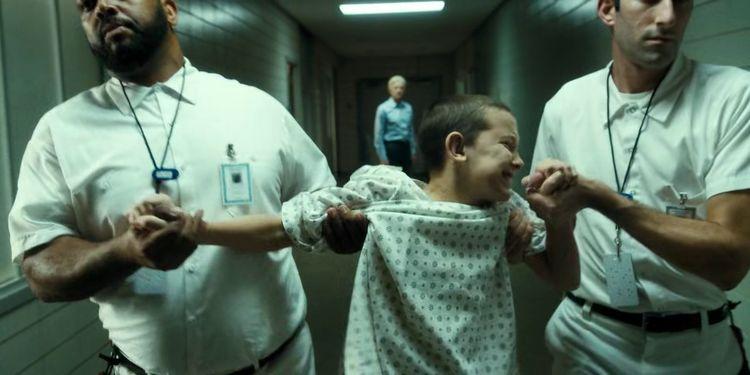 """Terry está convencida de que Eleven le fue robada por la CIA después de un """"aborto"""" en el tercer trimestre."""